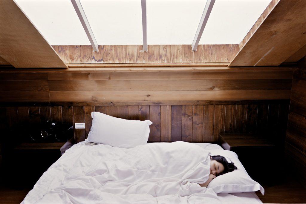 Kaip nuomojamame bute pagerinti miegamąjį