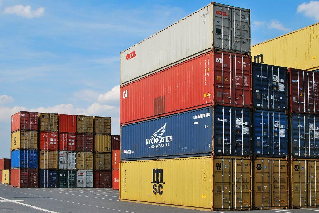 Anglai neturtingiems britams Kinijoje nupirko gyvenamųjų konteinerių